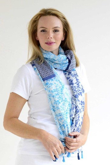 MIXED FLORA SCARF
